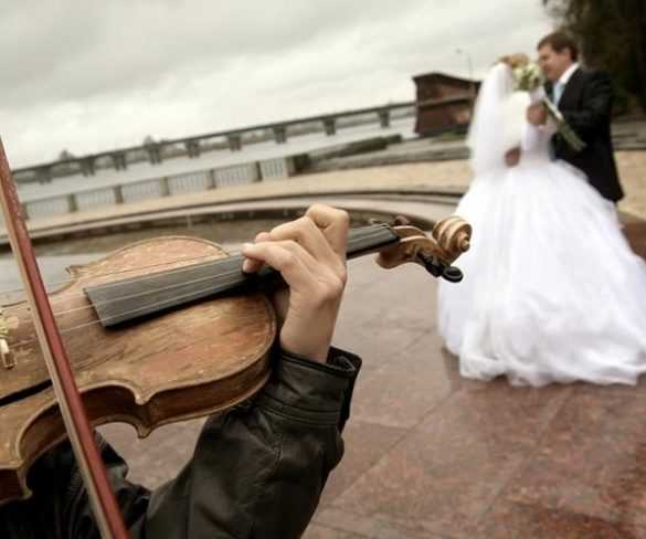 Choosing the Right Wedding Bands for Your Wedding Music