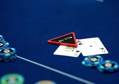 Why Playing Poker Online is MORE Difficult Than Playing in Person