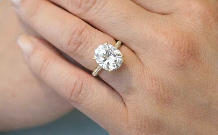 Look for the best of the Oval Moissanite Rings Now