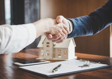Benefits of Working With a Real Estate Attorney